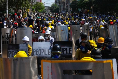 Pasukan Myanmar Geledah Setiap Rumah di Distrik yang Dilanda Protes