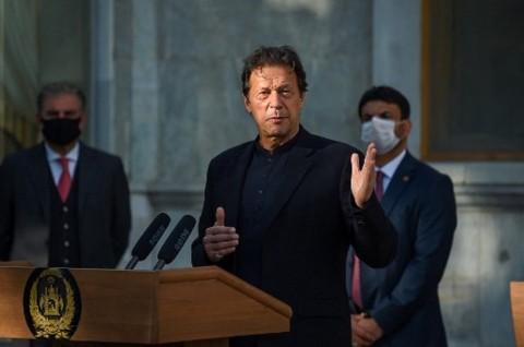 PM Pakistan Positif Covid-19 Dua Hari usai Divaksinasi