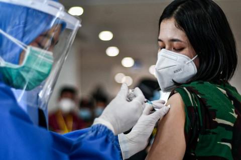 Airlangga Pecut Pelaksanaan Vaksinasi