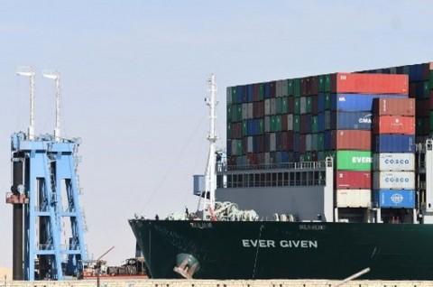 Kapal Kargo Raksasa Terbebas, Terusan Suez Dibuka Kembali