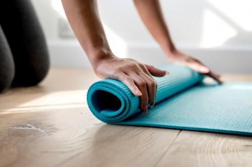 Ini cara mudah membersihkan matras yoga. (Foto: Ilustrasi/Freepik.com)