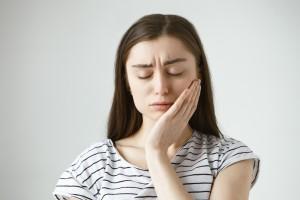 Faktor Penyebab Gigi Sensitif