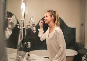 Cara Mengembalikan Mineral Gigi yang Terkikis, Penyebab Gigi Sensitif