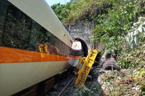 Korban Tewas Kecelakaan Kereta Taiwan Bertambah Jadi 36 Orang