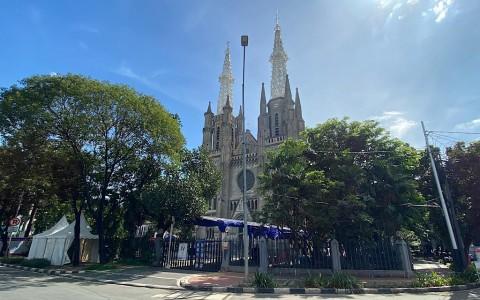 Jumlah Jemaat yang Beribadah di Gereja Katedral Dibatasi