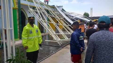 Puting Beliung Rusak Puluhan Bangunan di Sumenep