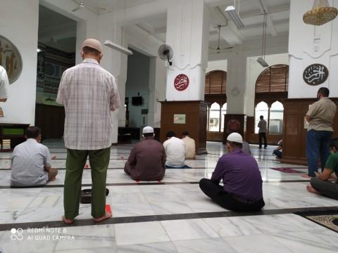 Masjid Diminta Tak Menerima Jemaah dari Luar Komunitas