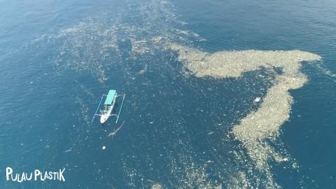 Visinema Pictures Rilis Teaser Film Pulau Plastik