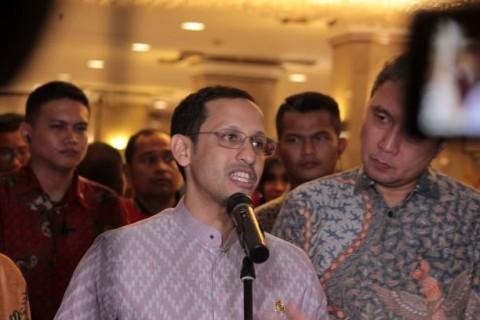 Guru Sudah Divaksin Tapi Belum PTM, Nadiem: Itu Melanggar Aturan
