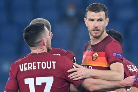 Roma Siap Turunkan Dzeko dan Veretout untuk Hadapi Ajax