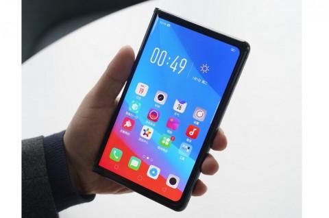 Oppo akan Perkenalkan Dua Ponsel Layar Lipat ke Dalam
