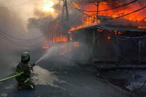 Kebakaran di Pasar Kambing Hanguskan 174 Lapak, Kerugian Rp1 M