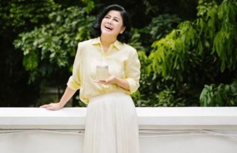 Bikin Menohok, Cerita Malam Pertama Desiree Tarigan dengan Hotma Sitompul