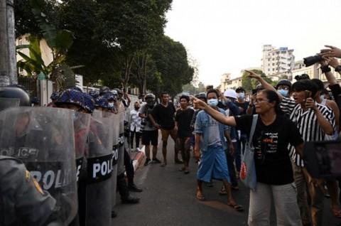 20 Demonstran Myanmar Tewas dalam Bentrokan di Bago