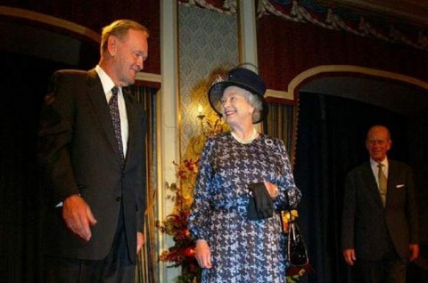 Mantan PM Kanada Terkejut Pangeran Philip Fasih Berbahasa Prancis