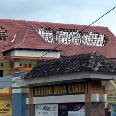 Satu Orang Meninggal dan Puluhan Bangunan Ambruk Akibat Gempa Malang