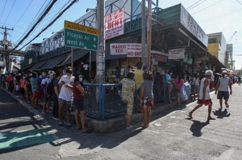 Filipina Longgarkan Lockdown Meski Kasus Covid-19 Masih Tinggi