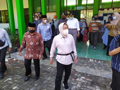 Mensos Pastikan Korban Bencana Gempa di Malang Dapat Santunan