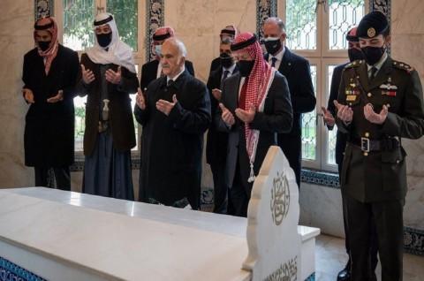 Raja Yordania dan Pangeran Hamzah Terlihat Bersama usai Bersitegang