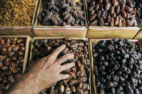 Jelang Ramadan, Penjualan Kurma di Solo Meningkat