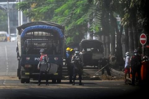 Pasukan Myanmar Lepaskan Tembakan ke Pekerja Medis