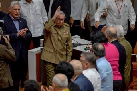 Raul Castro Mundur dari Kepemimpinan Partai Komunis Kuba