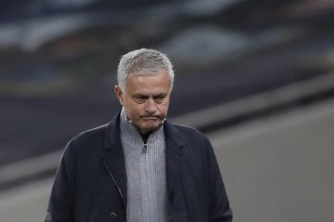Apologi Jose Mourinho Usai Bermain Imbang Lawan Everton