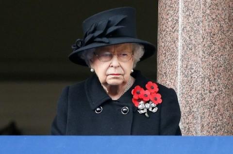 Ratu Elizabeth akan Berdiri Sendiri saat Jenazah Suaminya Dimakamkan