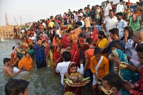 Tsunami Covid-19 di India yang Kian Parah