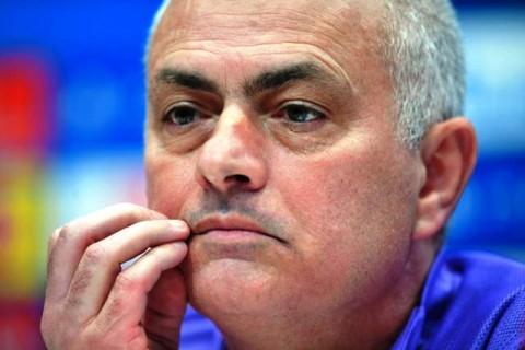 <b>Breaking News!</b> Jose Mourinho Dipecat Tottenham Hotspur