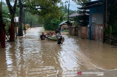 Warga Sekitar Bantaran Sungai Riau Diminta Waspada Banjir