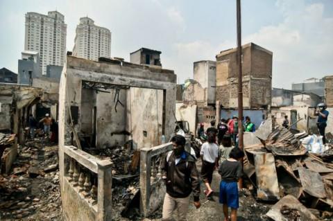 Polisi Buka Posko Permudah Korban Kebakaran Taman Sari Urus Surat