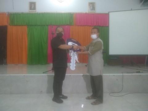 Media Group Berikan Mobil untuk Sekolah Khusus Tunanetra di Makassar