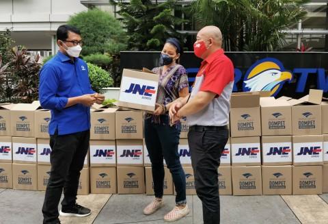 Dompet Kemanusiaan Media Group Sumbang Sembako untuk Keluarga Korban KRI Nanggala-402
