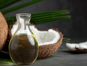 Manfaat Minyak Kelapa untuk Rambut dan Cara Pemakaiannya