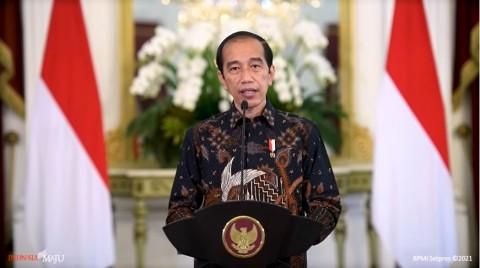 Jokowi Teken PP THR dan Gaji ke-13 untuk ASN