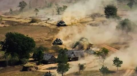 Dua Pangkalan Udara Myanmar Diserang Roket