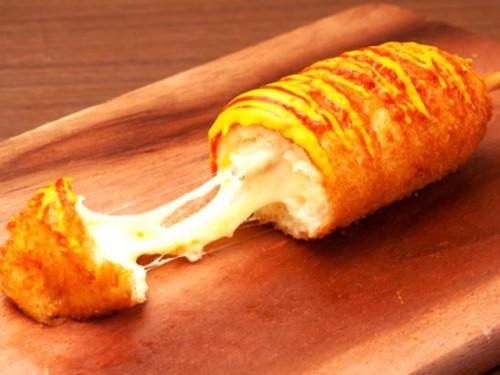 Ini cara membuat corn dog ala Korea. (Foto: Dok. Endeus)