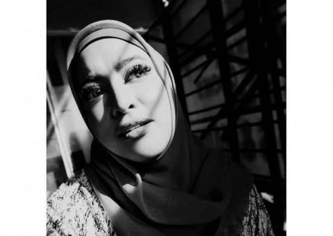 Jane Shalimar Tanggapi Hujatan karena Foto Lepas Jilbab