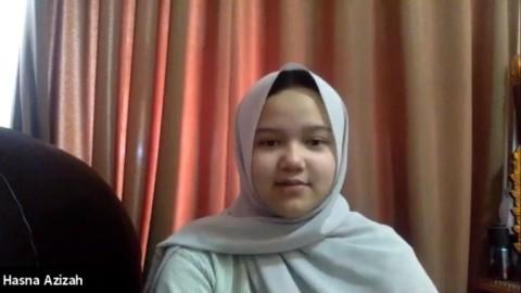 Cerita Hasna Lolos Jadi Mahasiswi Termuda FH UNAIR
