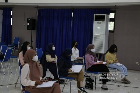 Mengintip <i>Blended Learning</i> Prodi Pendidikan Akuntasi FKIP UNS