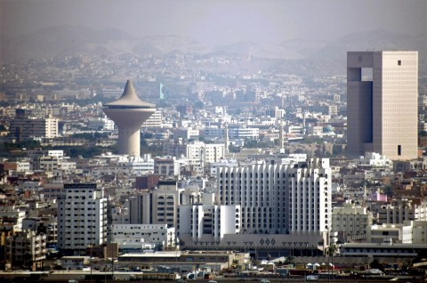 Arab Saudi Cegat 'Target Udara Berbahaya' Dekat Jeddah