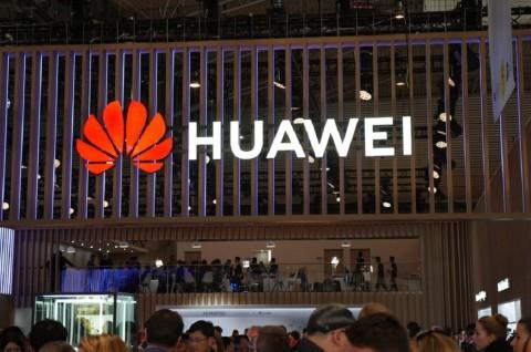 Pangsa Pasar Huawei di Tiongkok Menurun Separuh dalam Kurang dari 1 Tahun