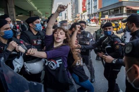 Turki Tangkap 200 Demonstran di Hari Buruh Internasional