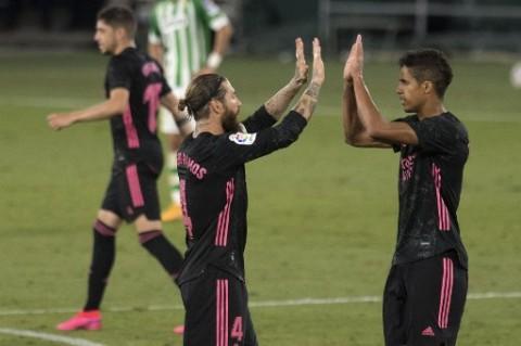 Zidane Berharap Bantuan Varane dan Ramos di Leg Kedua Melawan Chelsea