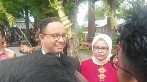 Gubernur DKI Jakarta Anies Baswedan bersama istrinya Fery Farhati (kanan). (Medcom.id/Ahmad Mustaqim)