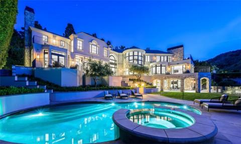 Satu Kompleks dengan Kendall Jenner, Intip Rumah Mewah Marshmello