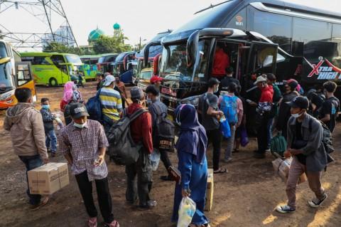 Jokowi Ingatkan Kepala Daerah Konsisten Larang Mudik
