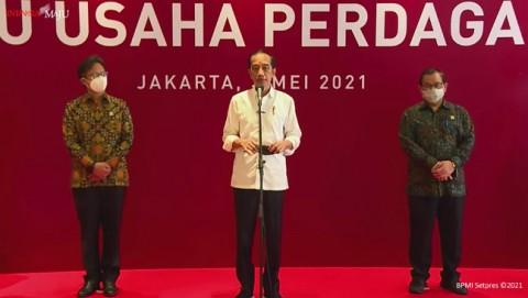 Jokowi Ingin Seluruh Pegawai Toko dan Mal Divaksinasi