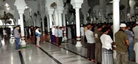Heboh Warga Diusir saat Salat, Berikut Aturan Wajib Masker di Masjid